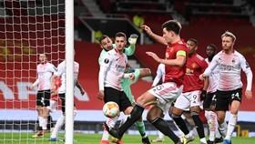 Pha bỏ lỡ cơ hội ghi bàn không thể tin nổi của Harry Maguire