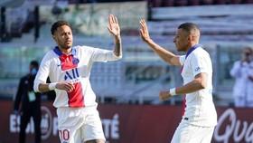 Neymar và Kylian Mbappe có thể xuyên thủng bất cứ hàng thủ nào