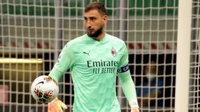 AC Milan đóng băng cuộc đàm phán hợp đồng với Donnarumma sau khi nhóm CĐV quá khích đe dọa thủ môn