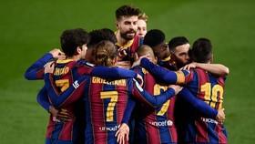 Barcelona dự tính sẽ thải loại đến phân nửa đội ngũ hiện thời