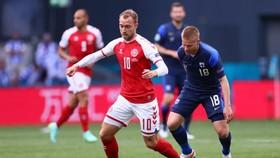Christian Eriksen bất ngờ đột quỵ