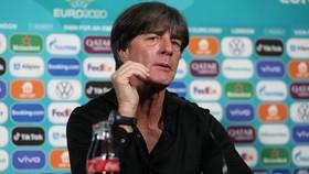 Joachim Loew thừa nhận nỗi đam mê khi gặp Anh ở Wembley