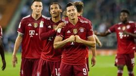 Lewandowski gỡ hòa cho Bayern ở trận ra mắt của tân HLV Nagelsmann
