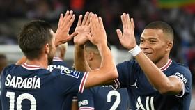 Kylian Mbappe sẽ ở lại PSG mùa này