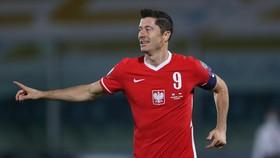 Lewandowski là mối đe dọa cho khung thành tuyển Anh