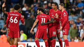 Salah ăn mừng bàn thắng của Sadio Mane