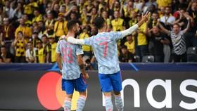 Bruno ăn mừng thắng lợi cùng Ronaldo