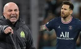 HLV Jorge Sampaoli và cậu học trò cũ Leo Messi