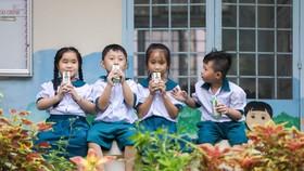 Chương trình Sữa học đường đang phát huy những lợi ích tích cực trong việc chăm sóc dinh dưỡng cho học sinh mầm non và tiểu học tại nhiều tỉnh thành