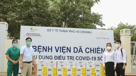 Vinamilk trao tặng sản phẩm dinh dưỡng cho 50 bệnh viện tuyến đầu