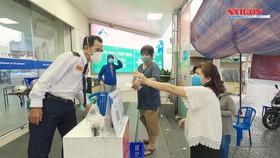 Mua sắm tại siêu thị Co.opmart an toàn với thẻ xanh Covid