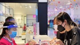 Trung tâm thương mại Sense City Phạm Văn Đồng nhộn nhịp đón khách với nhiều khuyến mãi hấp dẫn