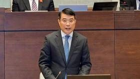 Thống đốc NHNN Lê Minh Hưng trả lời chất vấn các ĐBQH