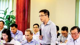 Ông Đậu Anh Tuấn, phát biểu tại buổi tọa đàm. Ảnh: HOÀNG HÙNG