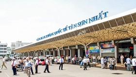 Sân bay Tân Sơn Nhất vào mùa dịch giảm mạnh khách đến và đi.
