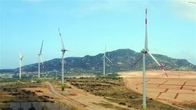 Một dự án điện gió hòa lưới điện quốc gia. (Ảnh: Công Thử/TTXVN)