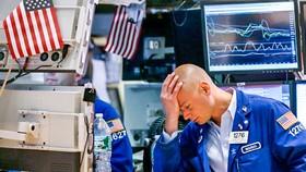 Tuần cuối cùng của tháng 2 đánh dấu cả 3 chỉ số CK Mỹ giảm mạnh nhất trong 12 năm qua.