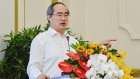 Bí thư Thành ủy TPHCM Nguyễn Thiện Nhân: Ngăn chặn phá sản của doanh nghiệp