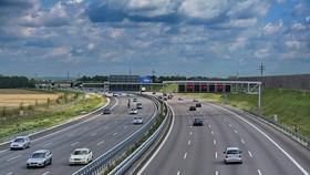 Khi dự án 8 dự án cao tốc Bắc-Nam được chuyển sang đầu tư công sẽ đẩy nhanh tiến độ thực hiện và giải ngân vốn đầu tư công, hỗ trợ tăng trưởng kinh tế.