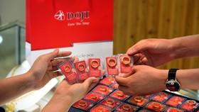Giá vàng tại Tập đoàn DOJI tăng thêm 100.000 đồng/lượng ở chiều bán ra.