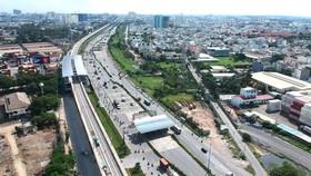 Tuyến metro Bến Thành - Suối Tiên qua quận Thủ Đức. Ảnh: CAO THĂNG