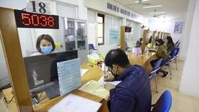 Số lượng lao động hưởng bảo hiểm thất nghiệp tăng 30%. (Ảnh: TTXVN)