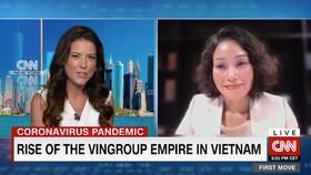 Bà Lê Thị Thu Thuỷ - Phó Chủ Tịch Tập đoàn Vingroup (bên phải) trò chuyện cùng nhà báo nổi tiếng Julia Chatterley trong chương trình First Move của CNN.