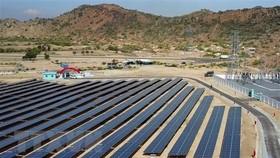 Dự án Nhà máy điện Mặt Trời Solar Farm Nhơn Hải-Ninh Thuận chính thức được đưa vào vận hành thương mại. (Ảnh: Công Thử/TTXVN)