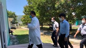 Các chuyên gia về hồi sức tích cực của Bạch Mai vào hỗ trợ Đà Nẵng điều trị từ 26-7 - Ảnh: Bệnh viện cung cấp