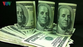 Giá USD tiếp tục giảm khi giá vàng lên cao. (Ảnh minh họa)