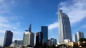 Một góc trung tâm quận 1, Thành phố Hồ Chí Minh - đầu tàu kinh tế của cả nước. (Ảnh: Hoàng Hải/TTXVN)