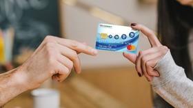 Chi tiêu không dùng tiền mặt tiện lợi và an toàn