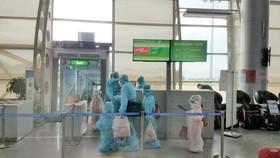 230 hành khách mắc kẹt tại Đà Nẵng đầu tiên về Hà Nội