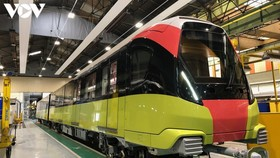 Đoàn tàu đầu tiên của tuyến metro Nhổn-Ga Hà Nội đang hoàn thiện tại nhà máy ở Pháp.