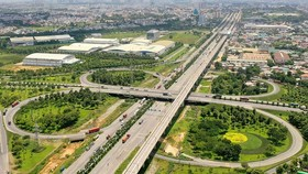 Hạ tầng giao thông tại khu vực quận 2, quận 9, quận Thủ Đức tiếp tục được tập trung đầu tư trong thời gian tới. Ảnh: HOÀNG HÙNG