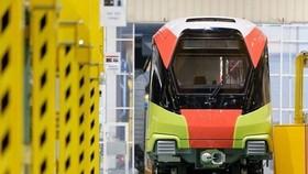 Đoàn tàu đường sắt đô thị Nhổn-ga Hà Nội sẽ rời cảng ở nước Pháp để về Việt Nam. (Ảnh: Ban Quản lý dự án đường sắt đô thị Hà Nội cung cấp)