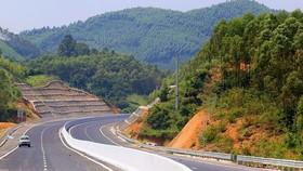 Ba dự án cao tốc Bắc – Nam được triển khai bằng vốn đầu tư công sau khi hoàn thành sẽ tiến hành thu phí với mức dự kiến từ 1.500-2.000 đồng/km.  Riêng mức phí với dự án PPP sẽ được tính toán riêng.