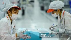 Máy thở VFS-510 đang được kiểm tra những khâu cuối cùng trước khi được vận chuyển đến các trung tâm y tế, bệnh viên tại nhiều quốc gia. Ảnh: AFP