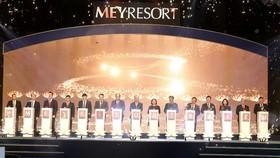Ủy viên Bộ chính trị, Thủ tướng Chính phủ Nguyễn Xuân Phúc cùng các đại biểu thực hiện nghi lễ khởi công dự án dự án Meyresort Bãi Lữ (giai đoạn 2)