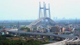 Cầu Phú Mỹ bắc từ quận 7 sang quận 2, Thành phố Hồ Chí Minh. (Ảnh minh họa: Kim Phương/TTXVN)