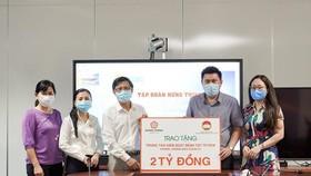 Hưng Thịnh trao tặng 2 tỷ đồng cho HCDC phòng, chống dịch Covid-19