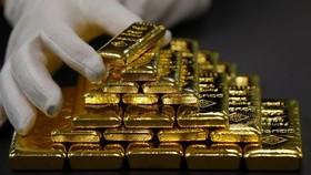 Giá vàng thế giới tăng 1% trong phiên giao dịch ngày 15/12