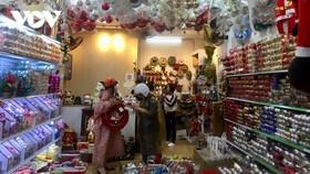 Sắp tới lễ Giáng sinh nhưng thị trường ở Đà Nẵng vẫn trầm lắng.