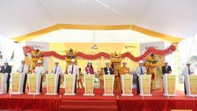 Ông Đỗ Quang Hiển, Chủ tịch HĐQT kiêm Tổng giám đốc Tập đoàn T&T Group và các đại biểu bấm nút khởi công dự án.
