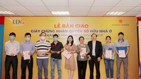 LDG Group bàn giao sổ hồng cho cư dân tại Marina Tower