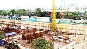 Dự án căn hộ I-Tower Quy Nhơn vẫn chỉ là khu đất nền móng nham nhở.