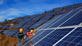 Hiện có tổng cộng 106 nhà máy điện mặt trời vận hành với tổng công suất khoảng 6.000 MW. Ảnh minh hoạ.