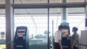 Vietnam Airlines triển khai dịch vụ kiosk check-in tại sân bay Cát Bi
