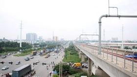 Sau khi hoàn thành, tuyến metro số 1 (Bến Thành-Suối Tiên) được kỳ vọng sẽ tạo điểm nhấn cho giao thông Thành phố Hồ Chí Minh. (Ảnh: Tiến Lực/TTXVN)