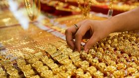 Giá vàng SJC vẫn đắt hơn vàng thế giới 7,56 triệu đồng/lượng. (Ảnh minh họa: KT)